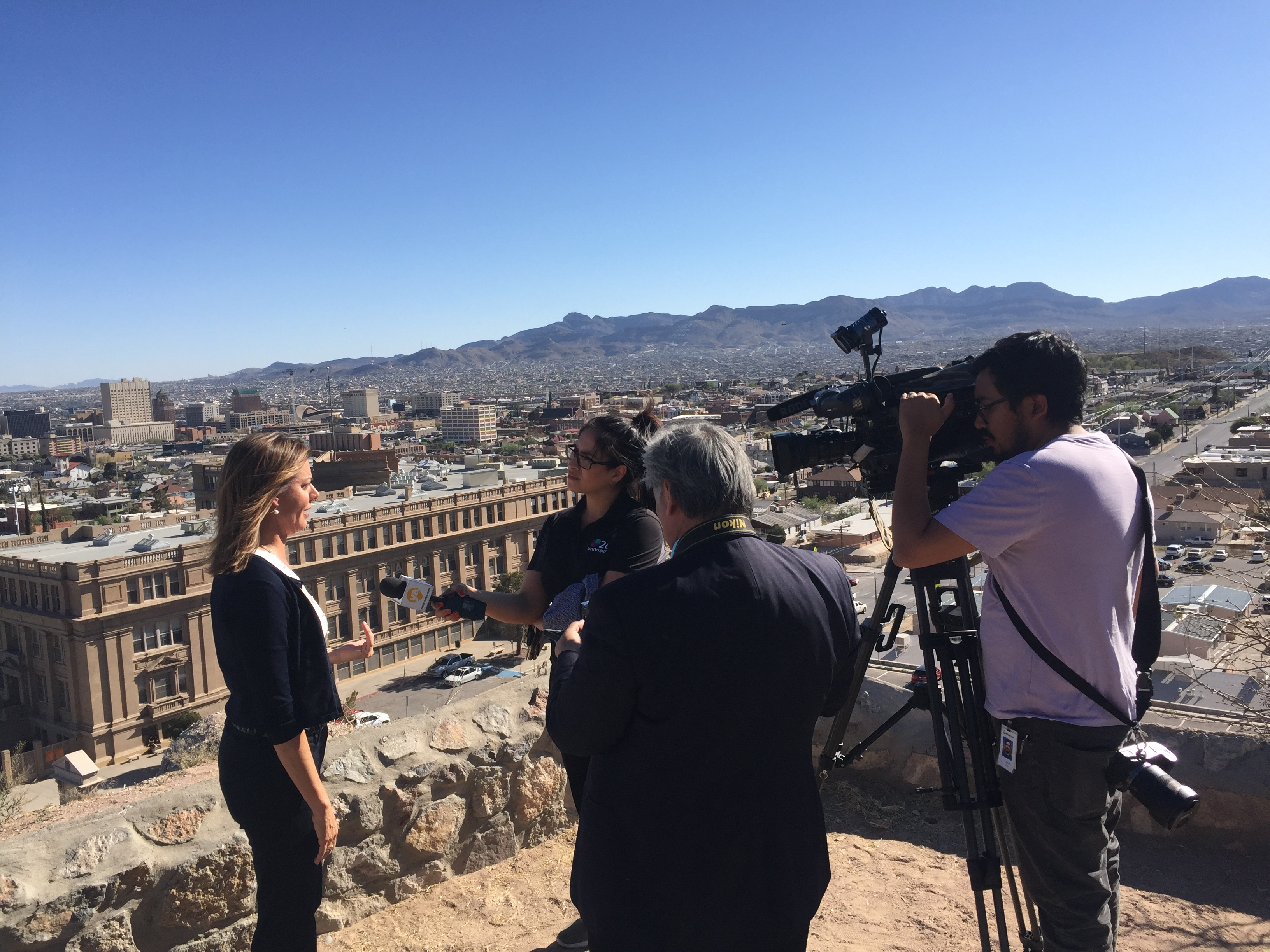 El Paso &Juárez - March 2019  Pacific Council member Mary Ann Walker is interviewed in Spanish and English by local media about the implementation and impacts of immigration policy at the border during a delegation to El Paso, Texas, and Ciudad Juárez, Mexico, in March 2019.