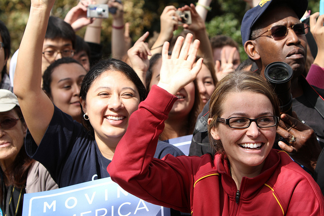 Crowd cheers for President Obama at USC Rally - Credit: Flickr user Neon Tommy